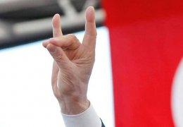 """Frankreich will """"Graue Wölfe"""" verbieten"""