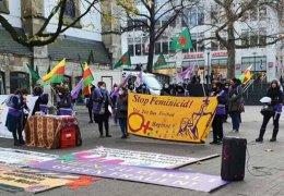 Protest gegen Gewalt an Frauen in Essen und Frankfurt