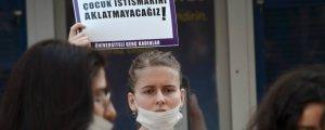 Çocuk istismarcısı kadına tacizden serbest bırakılmış