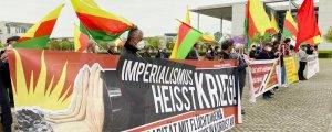 Kürtler işgale karşı yürüdü