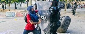 Kolombiya'da binler yine sokaklarda