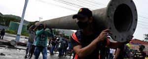 Kolombiya'daki barikatların ardı