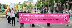 Berlin'de binler adil bir toplum için yürüdü
