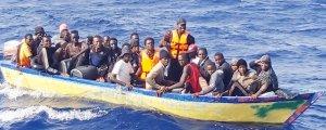 700'e yakın mülteciyi kurtardılar