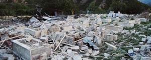 Binlerce mezar yıkıldı