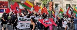 Gençler polis şiddetine karşı yürüdü