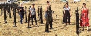 Göç yollarındaki kadınlar heykellerle anlatılıyor