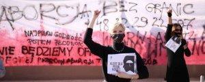 Polonya'da kürtaj yasağı: Bu bir savaş