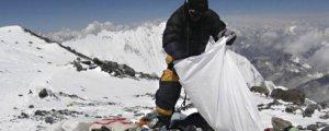 Serê Everestê jî gemarî kirin