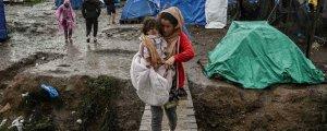 Schutzsuchende aus Horrorcamps in Griechenland evakuieren
