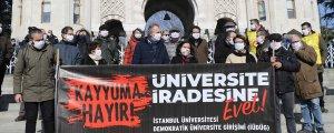 Kayyum rektöre akademisyen protestosu