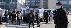 Polis sağlıkçılara saldırdı