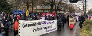 Berlin'de anti-kapitalist, anti-faşist eylem