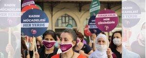 Kadınlar renkleriyle kampanyada