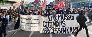 Berlin'de binler Hanau için yürüdü