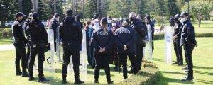 Polis ablukasında 'Kadınlar için Adalet'