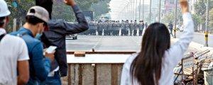 Darbe karşıtı gösterilerde 7 kişi hayatını kaybetti