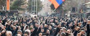 Erivan'da hükümet binası basıldı