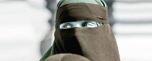 İsviçre'de burka ve peçe yasaklandı