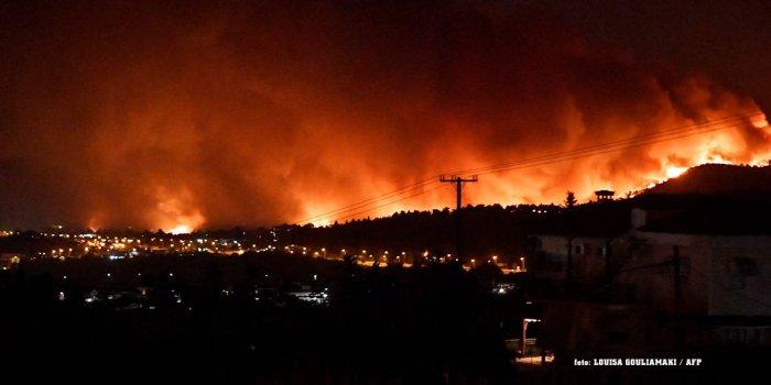 Akdeniz ülkelerinde yangınlar sürüyor / foto:AFP