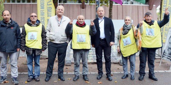 AP Kürt Dostluk Grubu, nöbet eylemini ziyaret etti