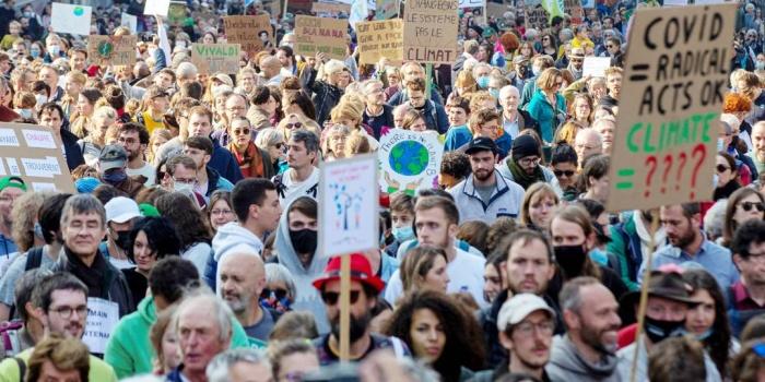 Hükümetlerin iklim politikası Brüksel'de protesto edildi/foto: Nicolas Maeterlinck-AFP